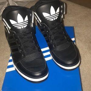 Adidas Hard Court III Sneakers